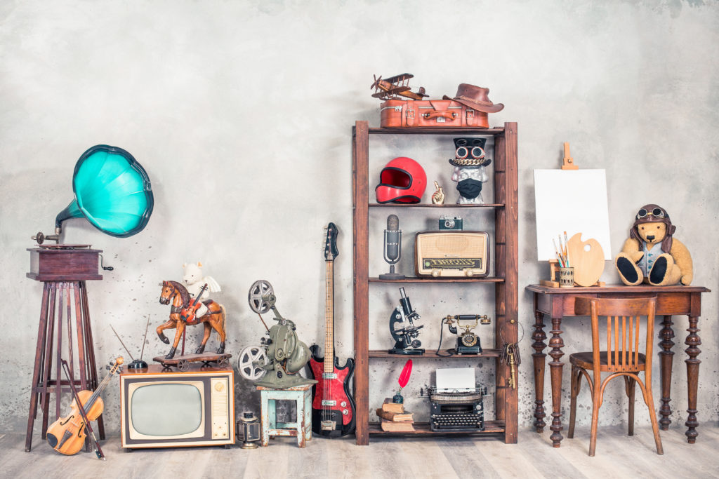 Home decorating ideas on a budget: display collectibles